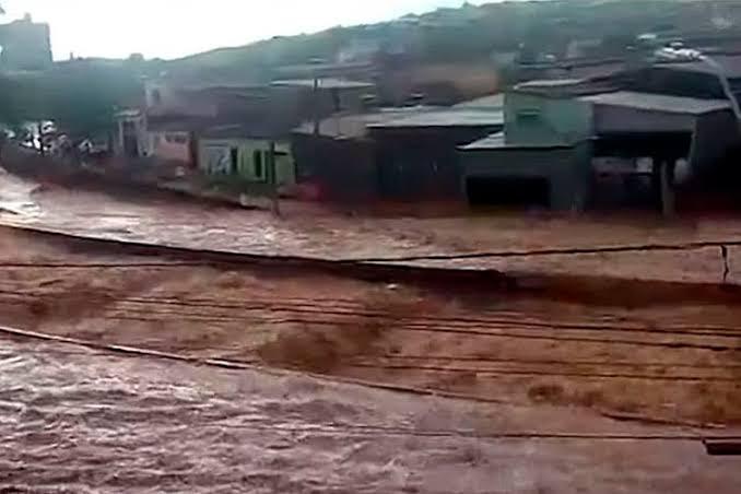 É preciso libertar os rios para combater as enchentes